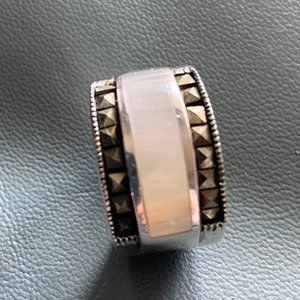 925Sterling Silver Mother Of Pearl Ring SZ7